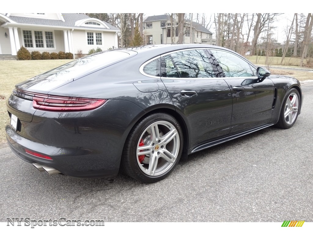 2018 Panamera Turbo - Volcano Grey Metallic / Black/Saddle Brown photo #6