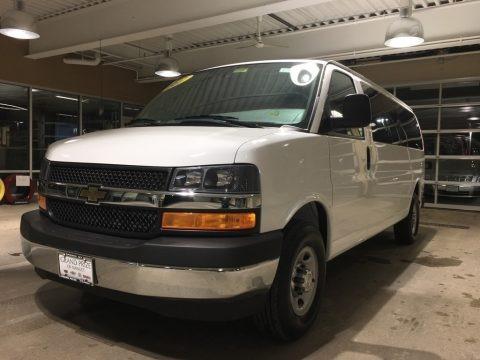 Summit White 2017 Chevrolet Express 3500 Passenger LT