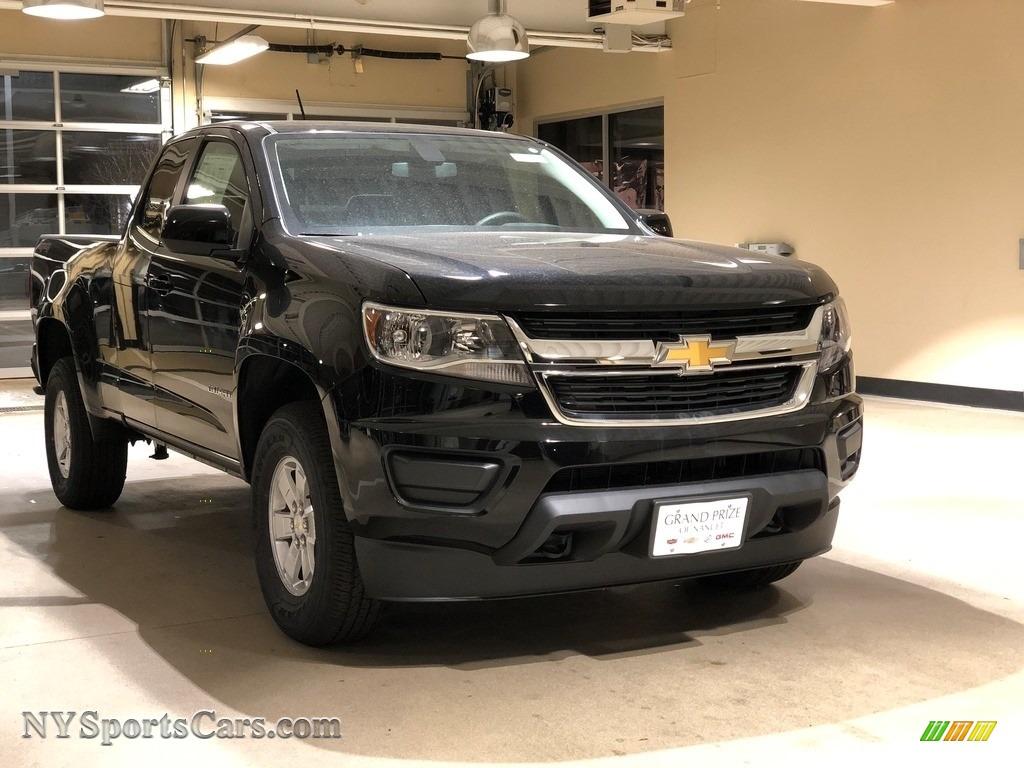 2018 Colorado WT Extended Cab 4x4 - Black / Jet Black/Dark Ash photo #1