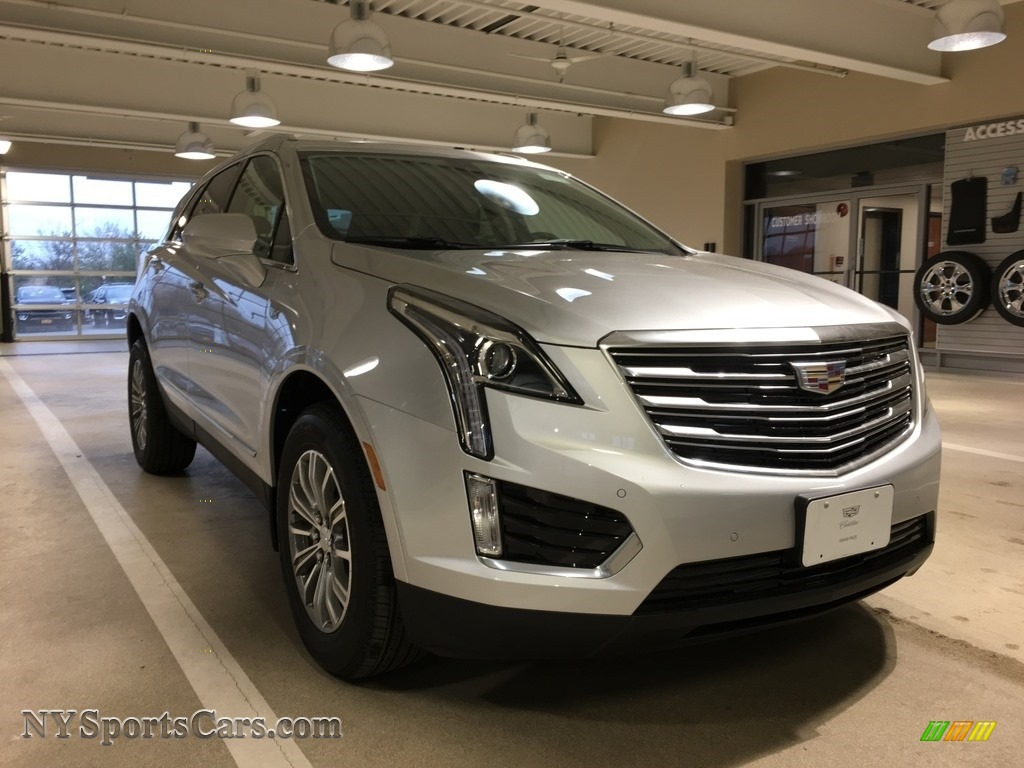 Radiant Silver Metallic / Jet Black Cadillac XT5 Luxury AWD