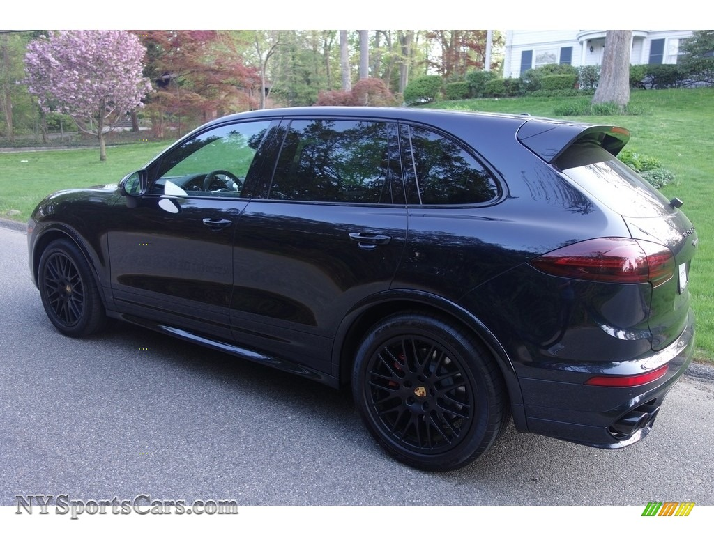 2018 Cayenne GTS - Moonlight Blue Metallic / Black photo #4