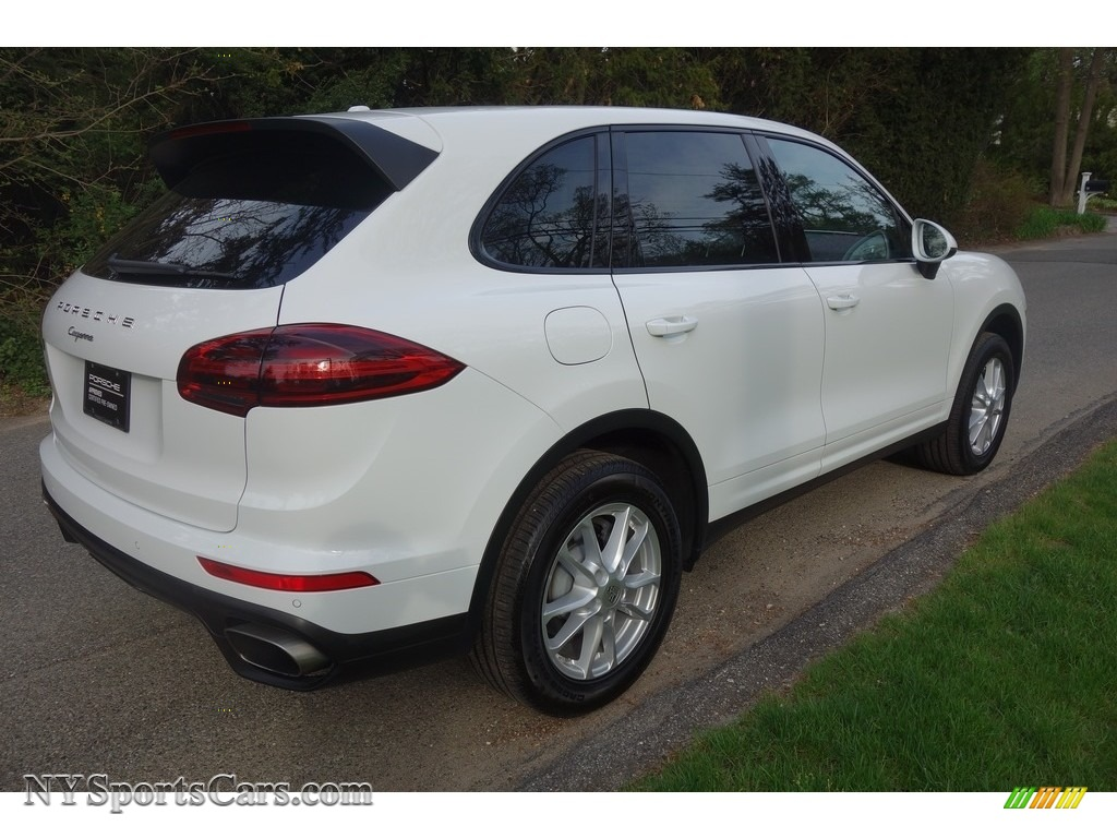 2018 Cayenne  - White / Black photo #6