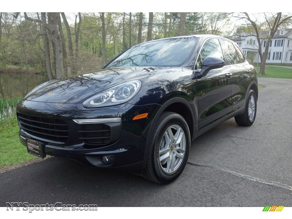 Moonlight Blue Metallic / Black/Luxor Beige Porsche Cayenne