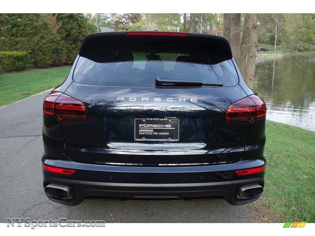 2018 Cayenne  - Moonlight Blue Metallic / Black/Luxor Beige photo #5