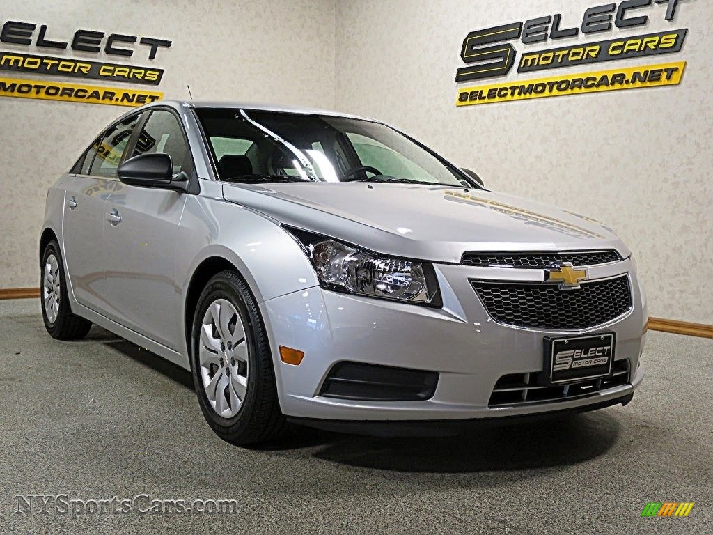2012 Cruze LS - Silver Ice Metallic / Jet Black/Medium Titanium photo #3