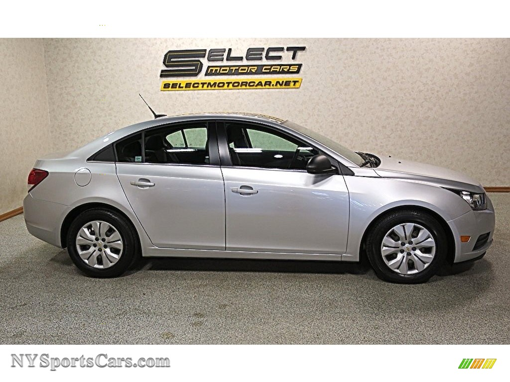 2012 Cruze LS - Silver Ice Metallic / Jet Black/Medium Titanium photo #4