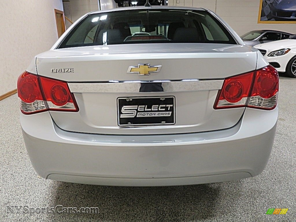 2012 Cruze LS - Silver Ice Metallic / Jet Black/Medium Titanium photo #5