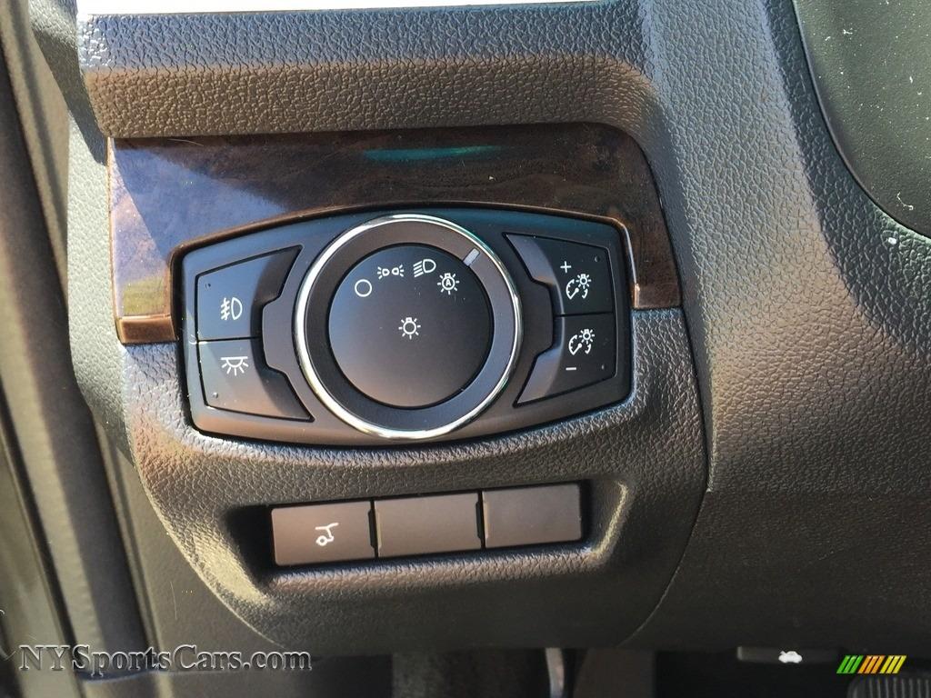 2015 Explorer Limited 4WD - Dark Side / Charcoal Black photo #20