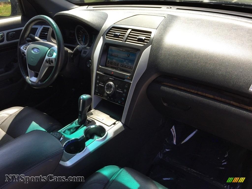 2015 Explorer Limited 4WD - Dark Side / Charcoal Black photo #27