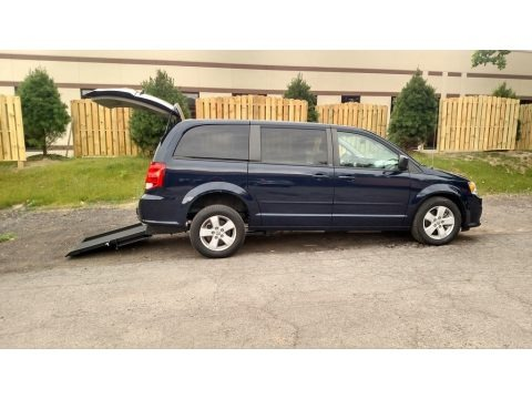 True Blue Pearl 2013 Dodge Grand Caravan SE