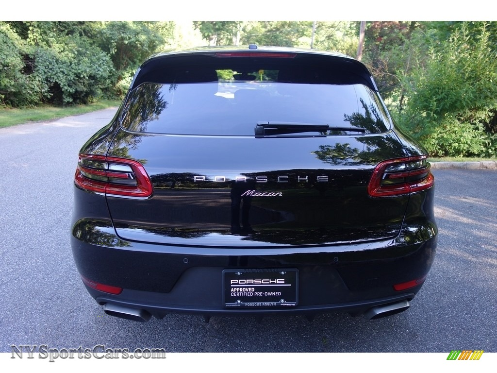 2018 Macan  - Black / Black photo #5