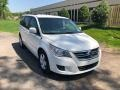 Volkswagen Routan SE Calla Lily White photo #7