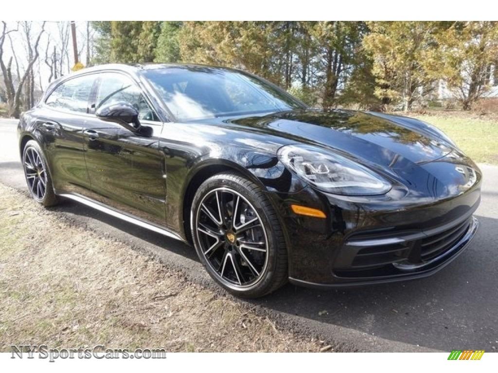 Black / Black Porsche Panamera 4 Sport Turismo
