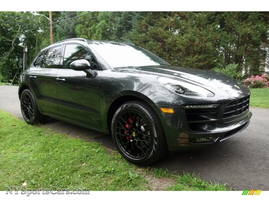 2018 Macan GTS - Volcano Grey Metallic / Black/Garnet Red photo #1
