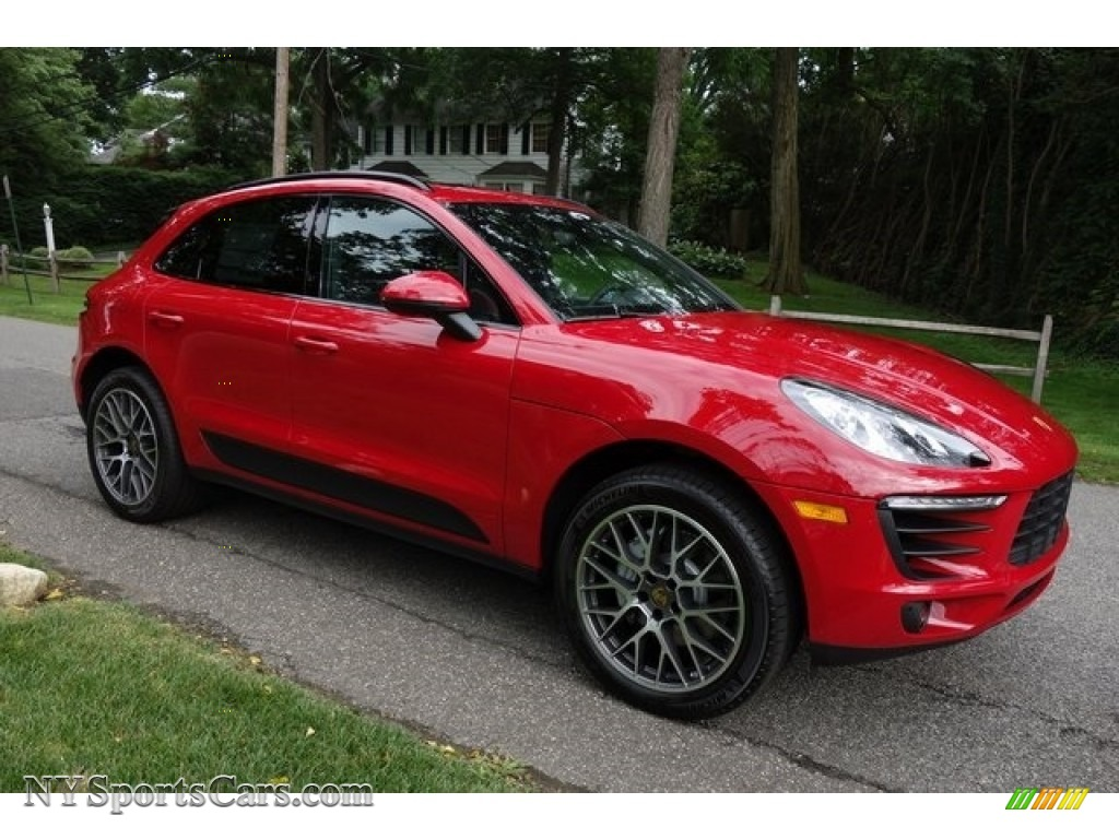 Carmine Red / Black Porsche Macan S