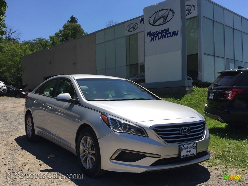 2016 Sonata SE - Symphony Silver / Gray photo #1