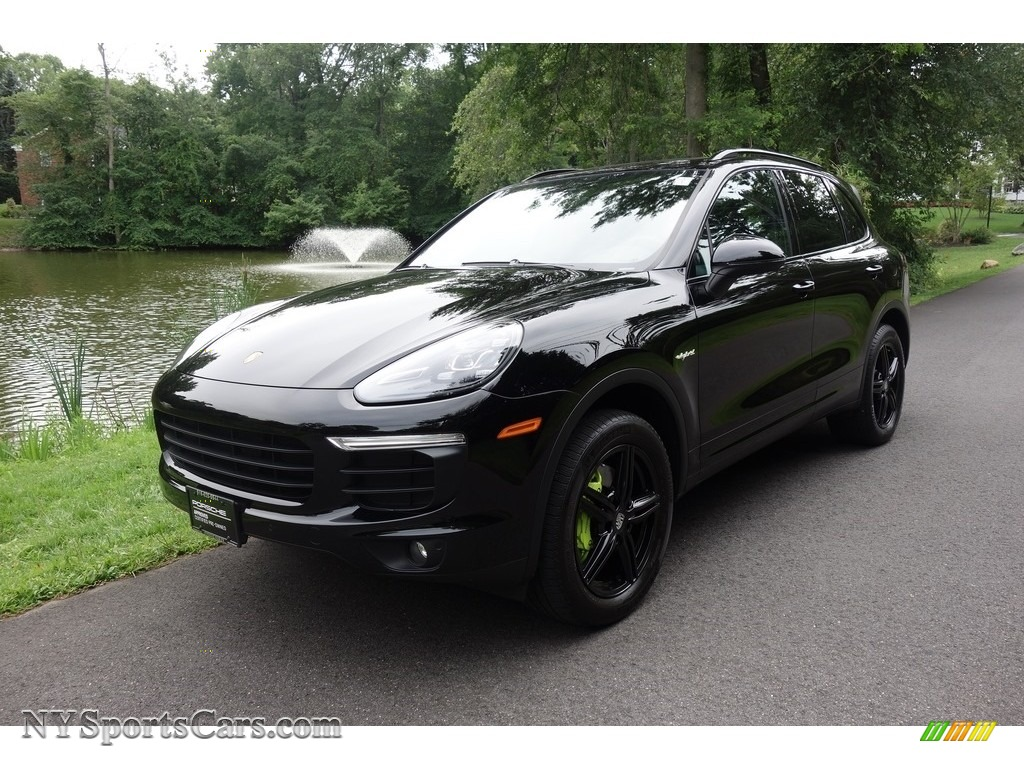 2016 Cayenne S E-Hybrid - Black / Black photo #1