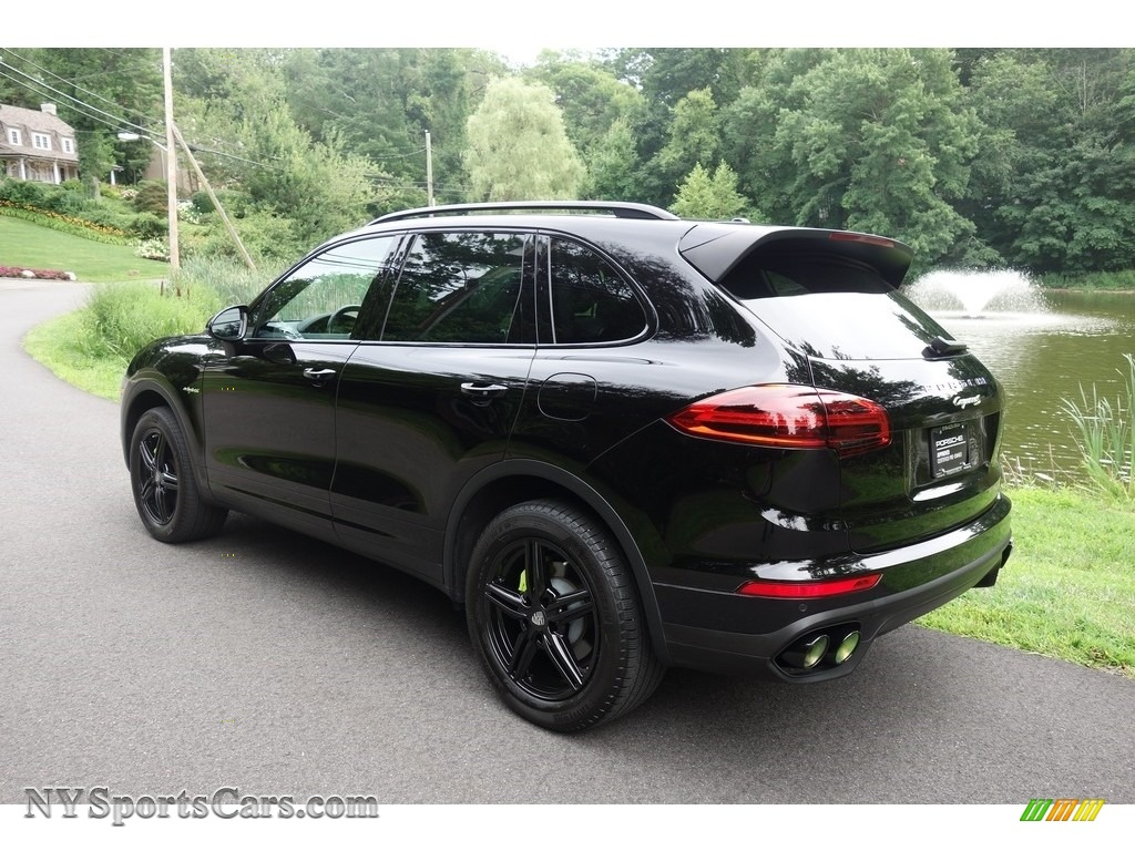 2016 Cayenne S E-Hybrid - Black / Black photo #4