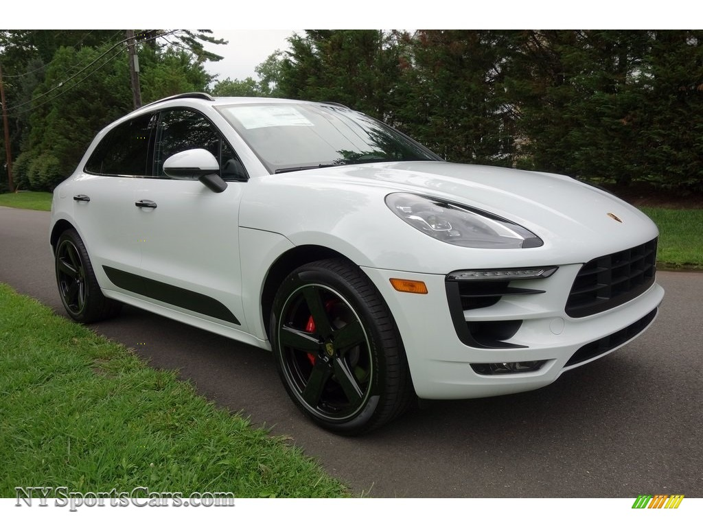 2018 Macan GTS - White / Black photo #1