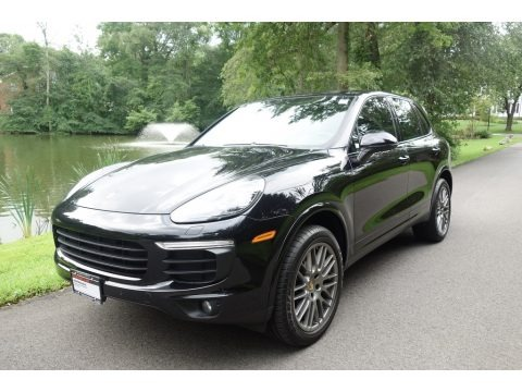 Jet Black Metallic 2017 Porsche Cayenne Platinum Edition
