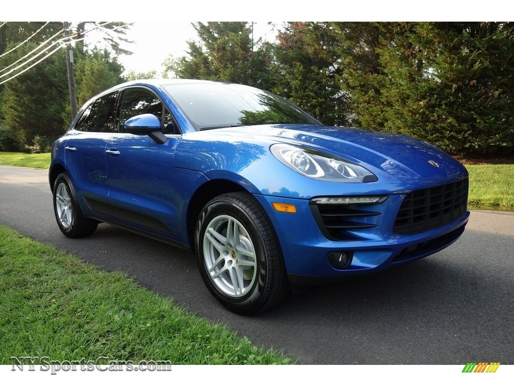 2018 Macan  - Sapphire Blue Metallic / Black/Garnet Red photo #1