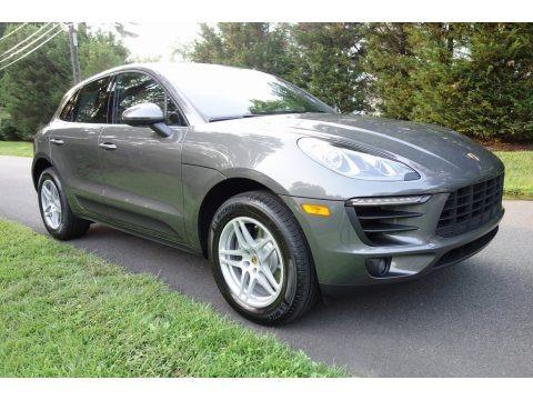 Agate Grey Metallic 2018 Porsche Macan