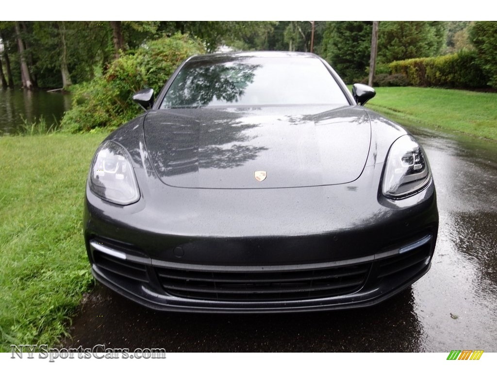 2018 Panamera 4 - Volcano Grey Metallic / Black photo #2