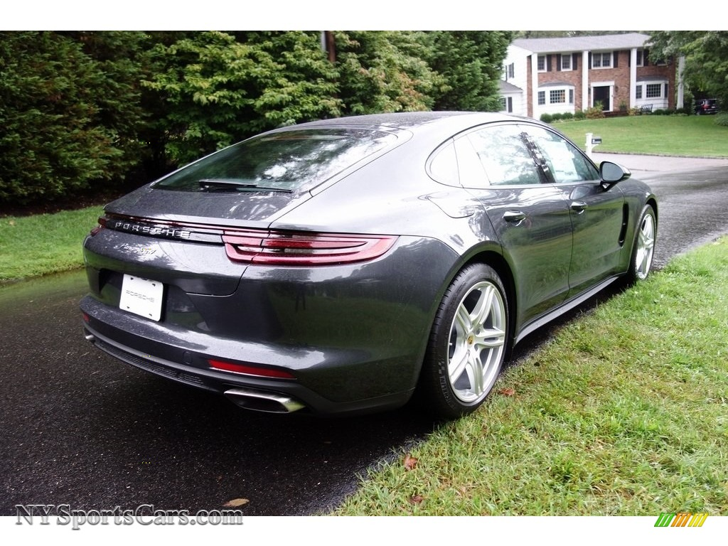 2018 Panamera 4 - Volcano Grey Metallic / Black photo #4