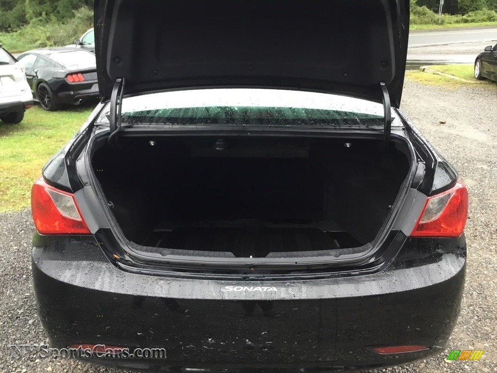 2011 Sonata GLS - Black Plum Pearl / Gray photo #23