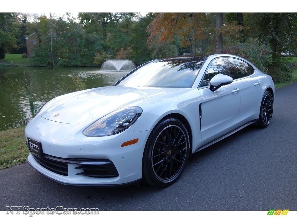 2018 Panamera 4 - Carrara White Metallic / Black photo #1