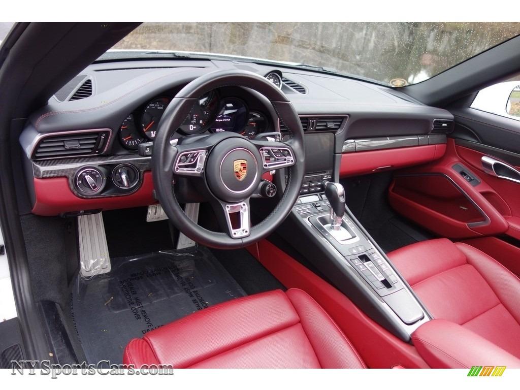 2017 911 Targa 4 GTS - Carrara White Metallic / Black/Bordeaux Red photo #19