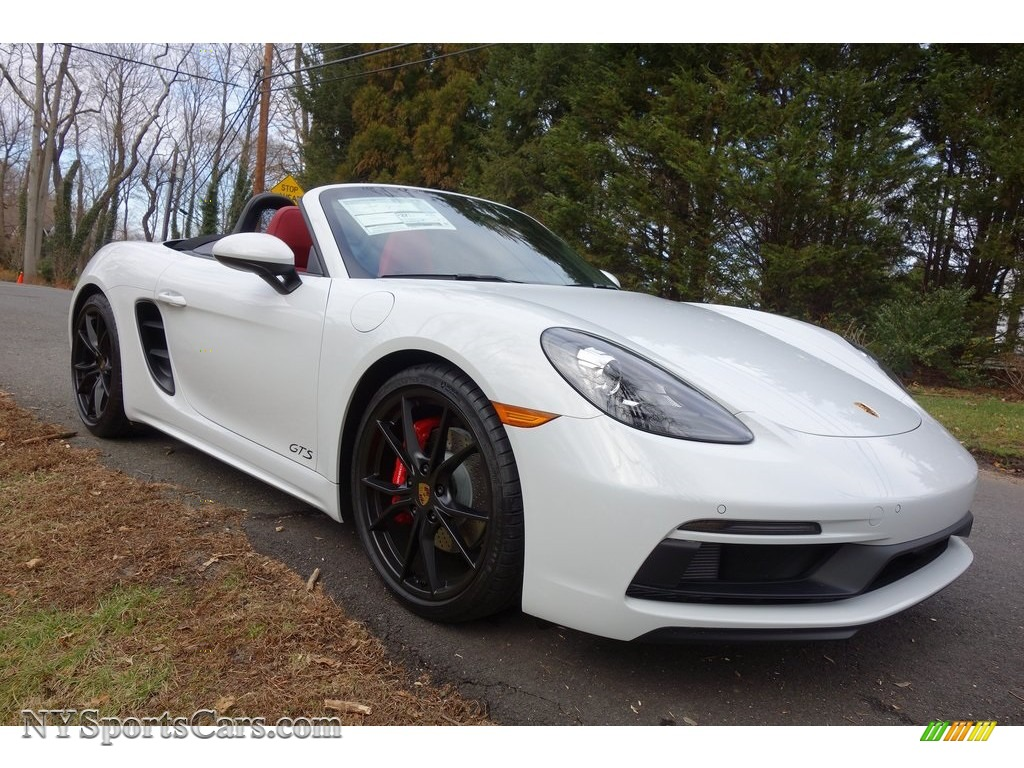 2019 718 Boxster GTS - White / Black/Bordeaux Red photo #1