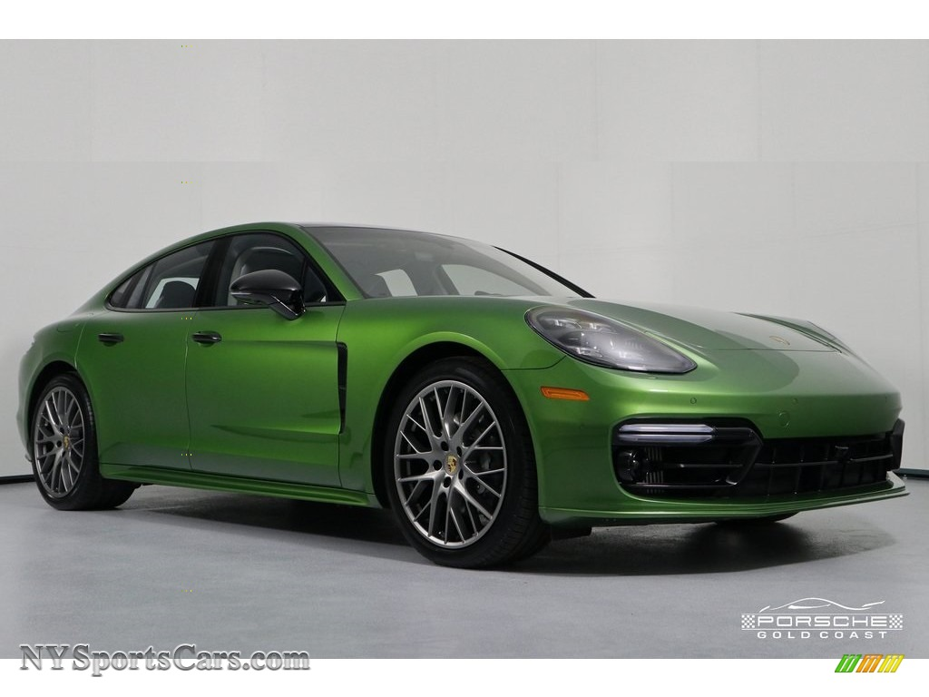 2018 Panamera 4S - Mamba Green Metallic / Black/Chalk photo #1