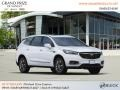 Buick Enclave Essence AWD Summit White photo #4