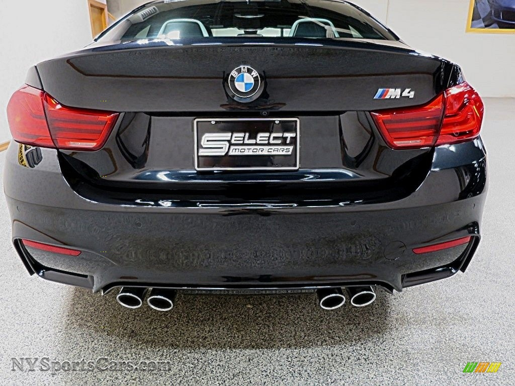 2018 M4 Coupe - Black Sapphire Metallic / Silverstone photo #5