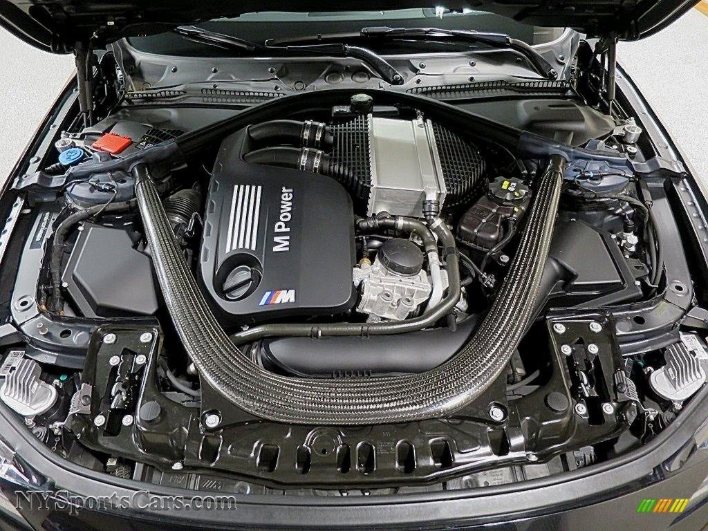 2018 M4 Coupe - Black Sapphire Metallic / Silverstone photo #36