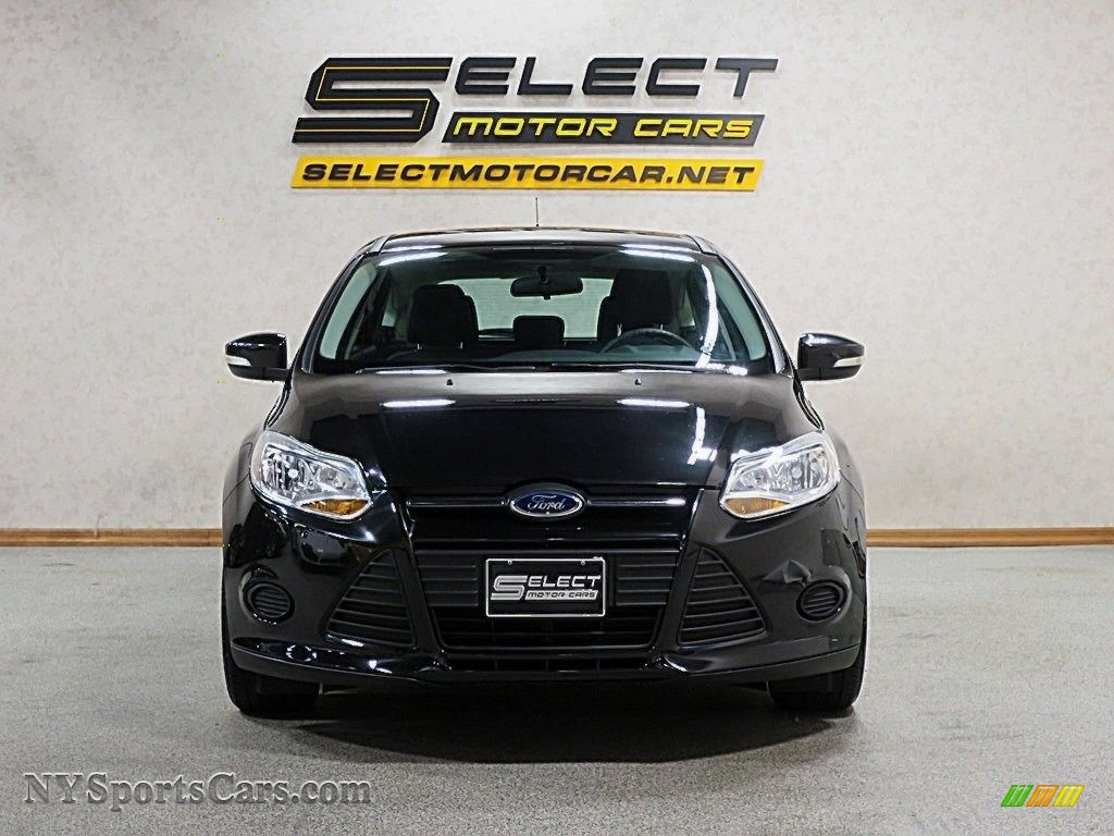 2014 Focus SE Hatchback - Tuxedo Black / Charcoal Black photo #2