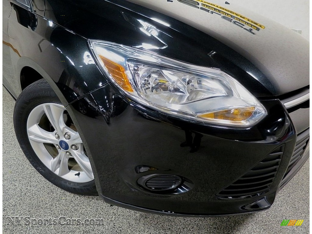 2014 Focus SE Hatchback - Tuxedo Black / Charcoal Black photo #6