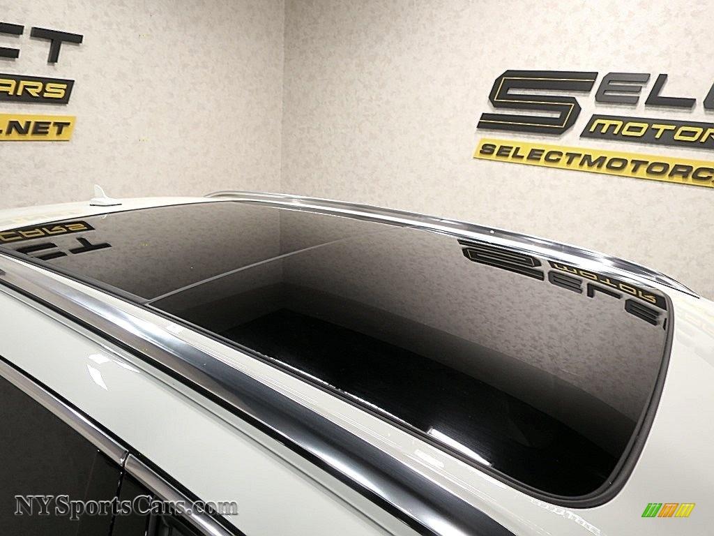 2017 Bentayga W12 - Glacier White / Linen photo #15