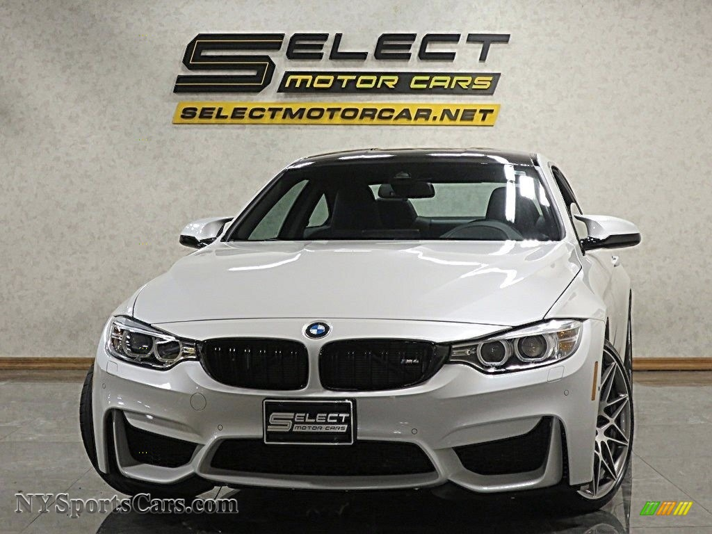 Mineral White Metallic / Carbonstructure Anthracite/Black BMW M4 Coupe