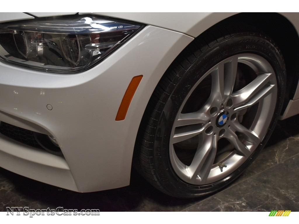 2017 3 Series 330i xDrive Sedan - Alpine White / Coral Red photo #5