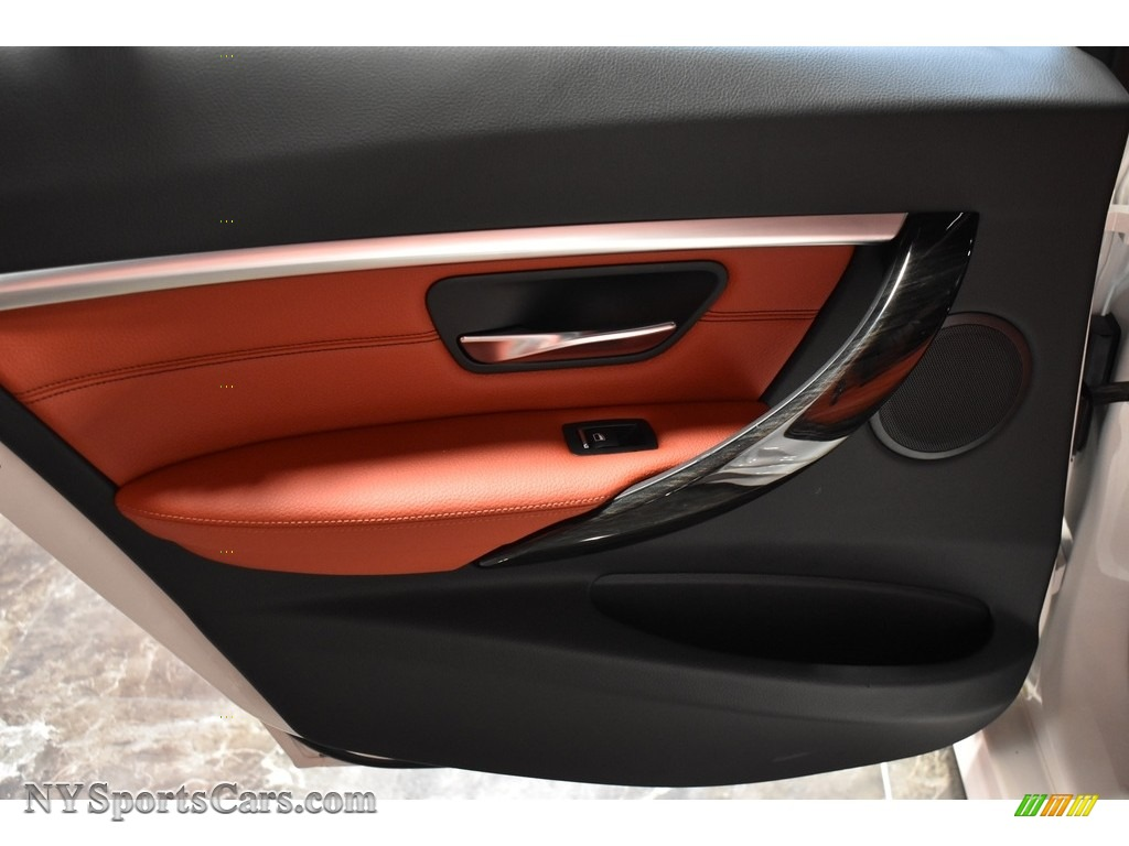 2017 3 Series 330i xDrive Sedan - Alpine White / Coral Red photo #14