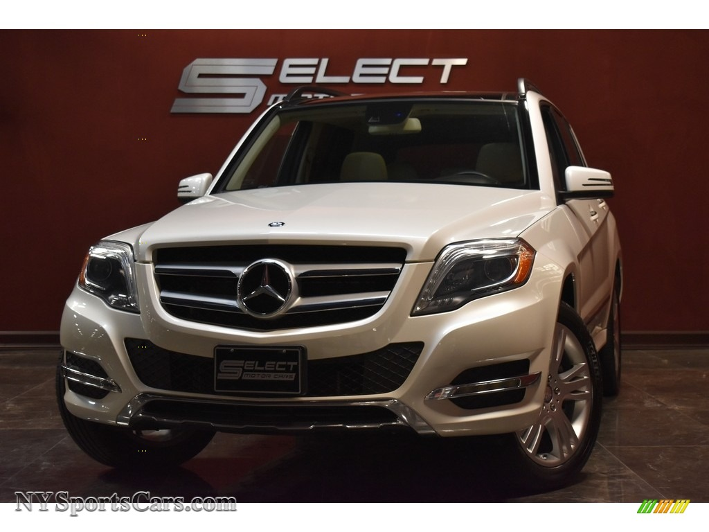 Diamond White Metallic / Almond Beige/Mocha Mercedes-Benz GLK 350 4Matic