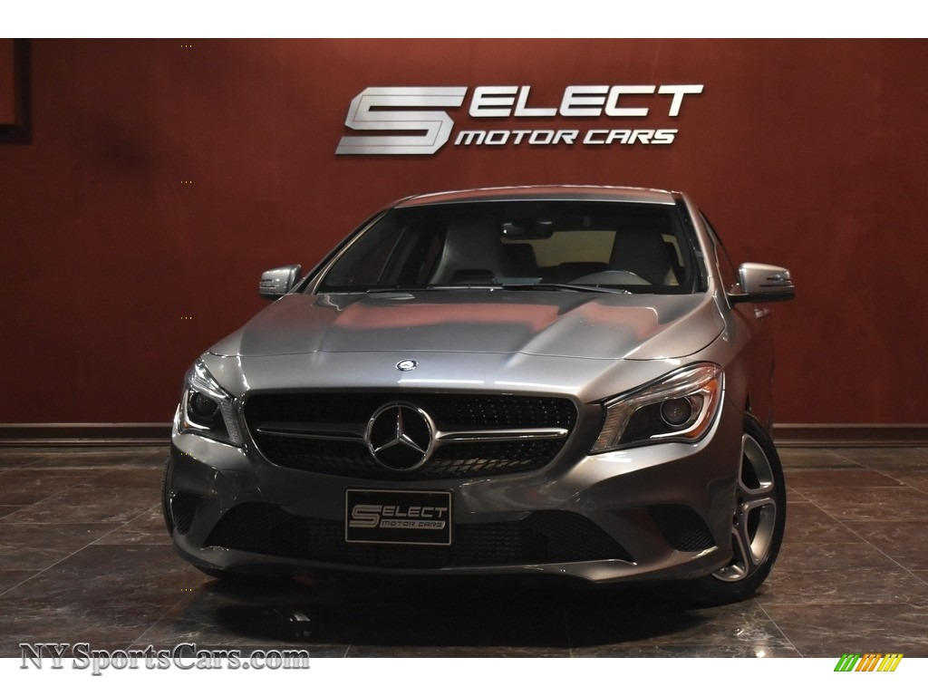 Mountain Gray Metallic / Ash Mercedes-Benz CLA 250