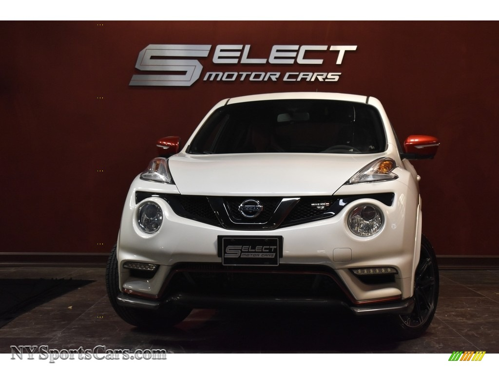 Pearl White / NISMO Black/Red Nissan Juke NISMO RS