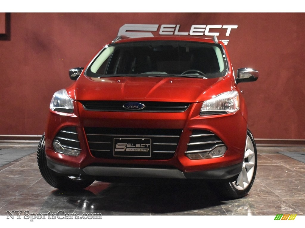 Ruby Red Metallic / Charcoal Black Ford Escape SE 4WD