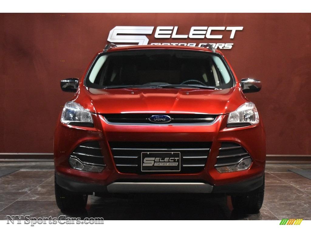 2015 Escape SE 4WD - Ruby Red Metallic / Charcoal Black photo #2