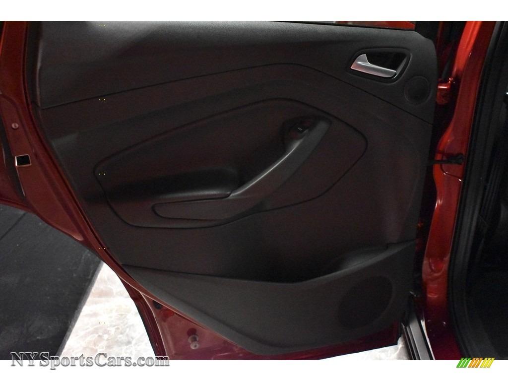 2015 Escape SE 4WD - Ruby Red Metallic / Charcoal Black photo #17