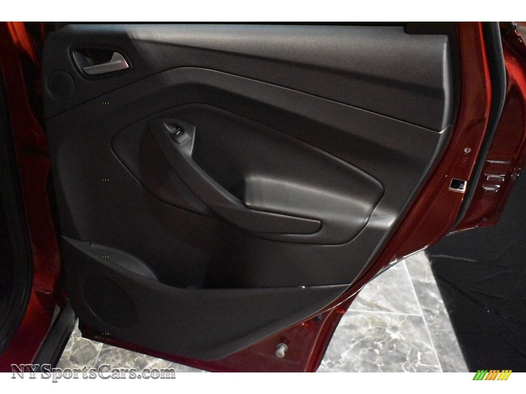 2015 Escape SE 4WD - Ruby Red Metallic / Charcoal Black photo #19