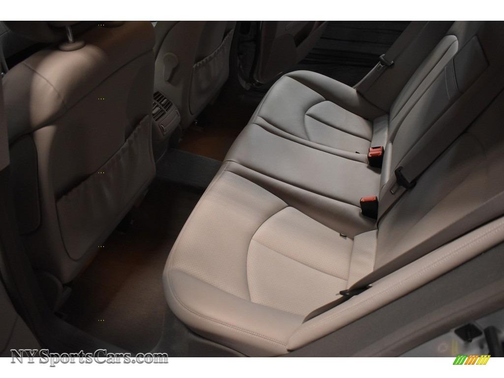 2009 E 350 Sedan - Iridium Silver Metallic / Ash photo #15